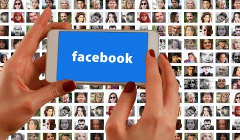 hands, smartphone, facebook