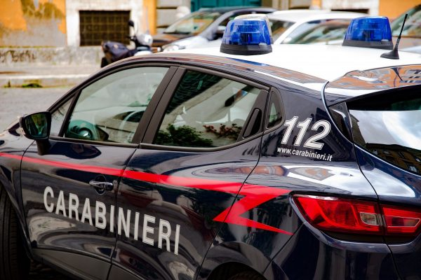 police, carabinieri, car