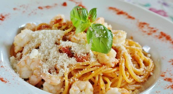 spaghetti, noodles, tomatoes
