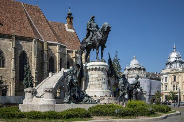 rumania, cluj-napoca, king matthias statue