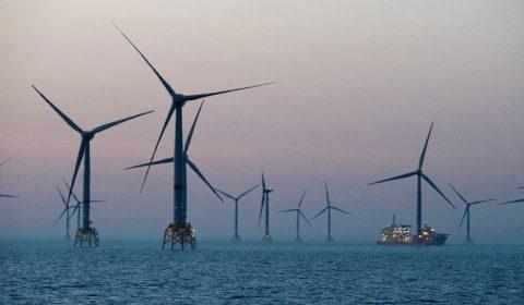 Turbine Eoliene Mare