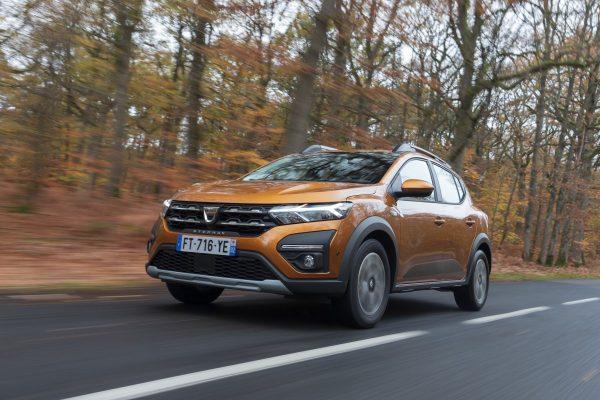 2020 New Dacia Sandero Stepway Tests Drive
