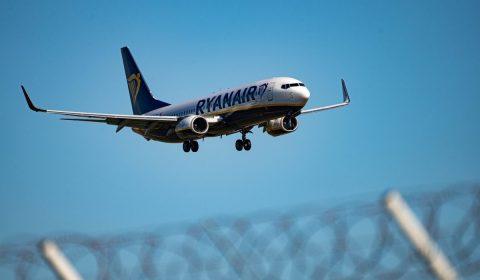 EL. VENIZELOS [ATH] Airport aviation photography.Ryanair Boeing 737-800