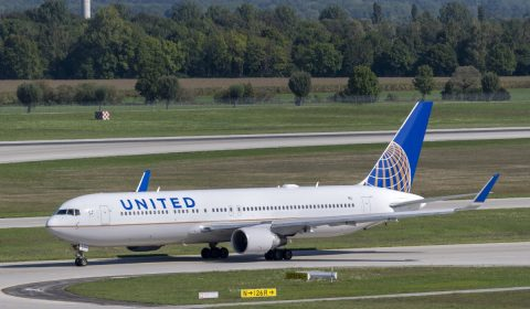 united airlines, boeing, boeing 767-300