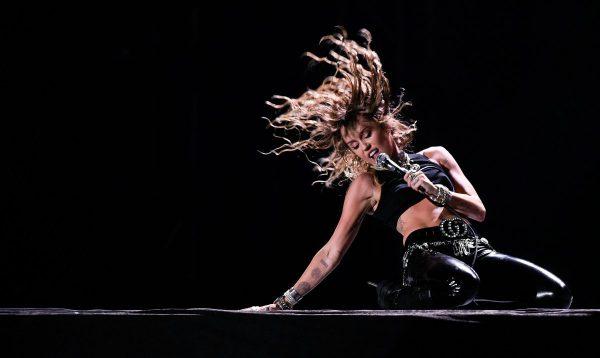 190815 Miley Cyrus Ew 454p 9b94f442e45ade57fce18129dc5ea5aa
