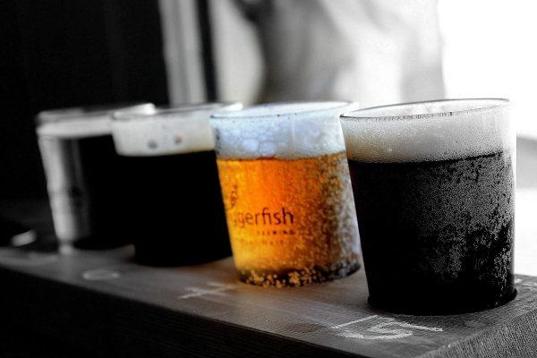 beers, glasses of beer, drink