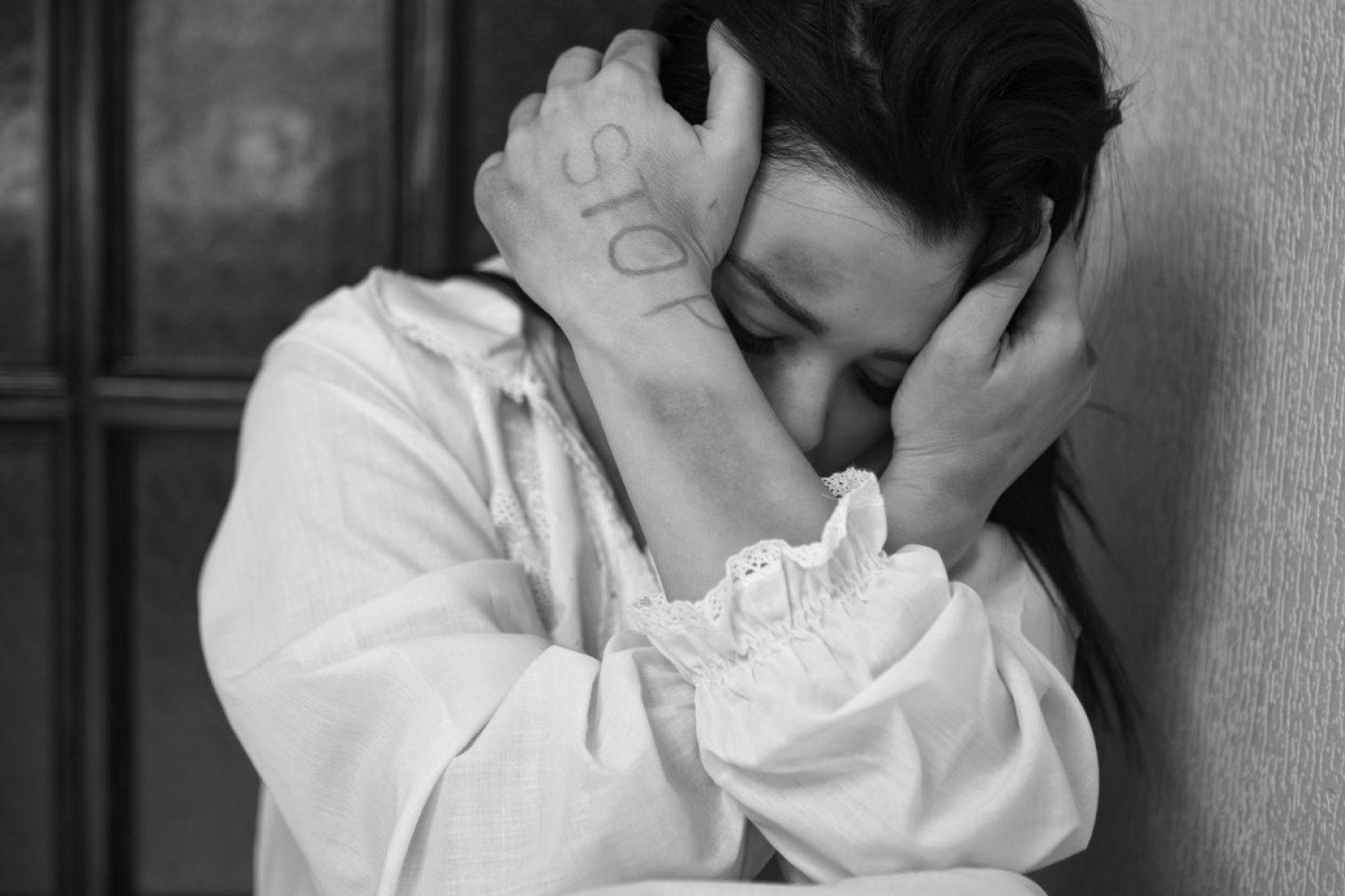 woman, abuse, monochrome
