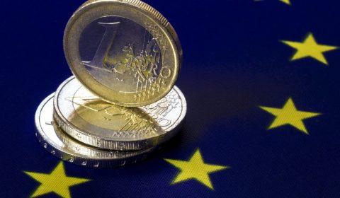 241019 Image Euro Coin Flag