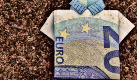the last shirt, dollar bill, 20 euro